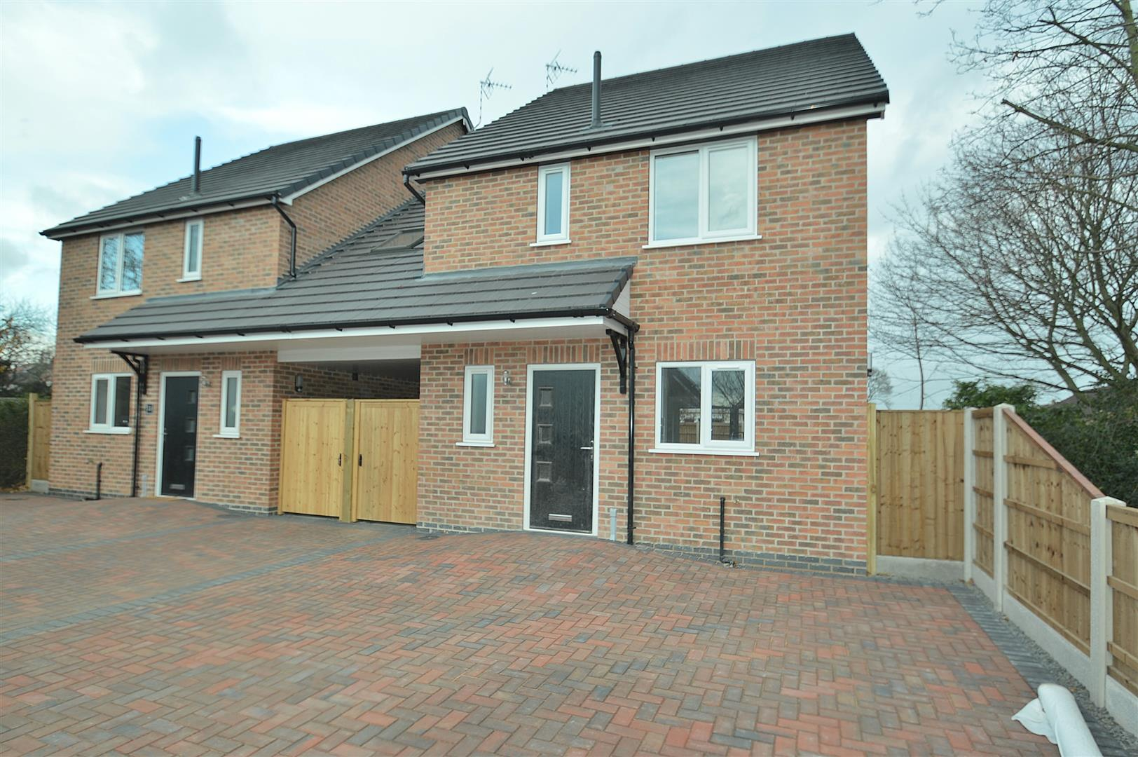 4 Bedrooms Link Detached House for sale in Cornwall Drive, Long Eaton